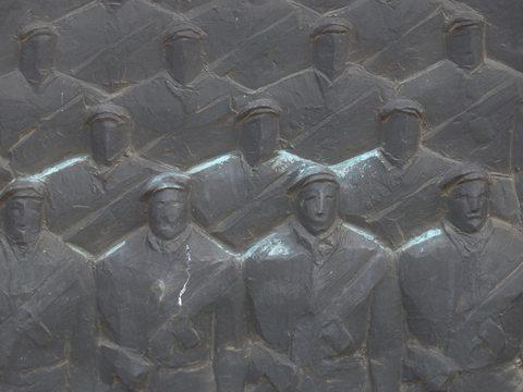 soldati bassorilievo